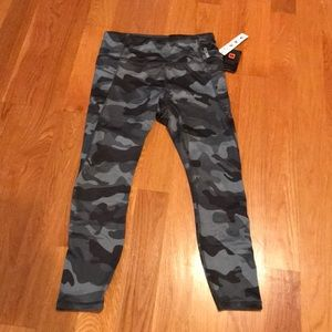 RBX Legging Sz medium gray/blk camo New With Tags